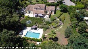 Vakantiehuis Provence: Villa Valbonne - Luxe vakantiewoning met privé zwembad (Provence - Cote d'Azur - 12km Cannes). Gratis wifi- 6 persoons. Incl gebruik tennisbanen.