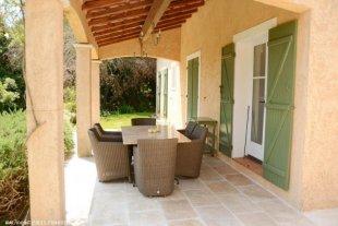Verranda Villa Valbonne <br>Villa Valbonne - luxe vakantiehuis voor 6 personen met prive zwembad in Valbonne nabij Cannes, Nice, Grasse en Biot.