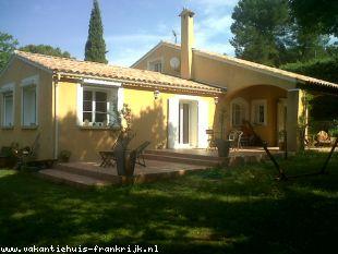 Huis te huur in Var en binnen uw budget van  1800 euro voor uw vakantie in Zuid-Frankrijk.