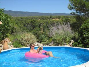 coin piscine <br>in alle rust luieren in en bij het zwembad