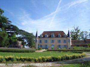 Frankrijk vakantiewoningen kasteelappartementen for Boerderij met stallen te huur